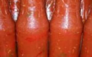 Горький перец в томате на зиму